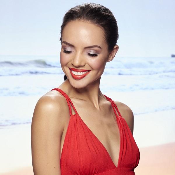 20_Summer_Model_lip_red